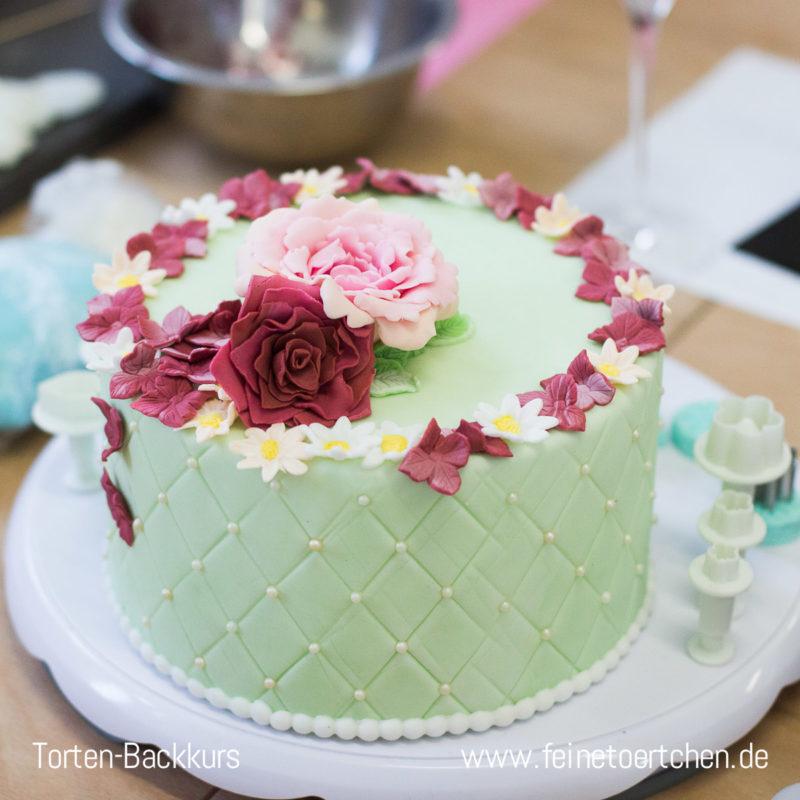 Backkurs Torte Magdeburg Motvitorte Fondatn Dekoration Biskuit Mademoiselle Cupcake