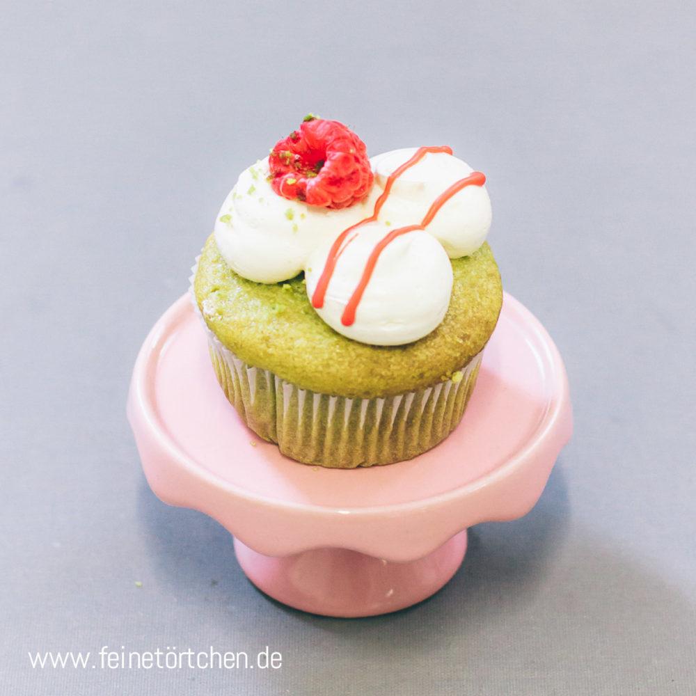 Mia Matcha Cupcake Himbeer weiße Schokolade Mademoiselle Cupcake Magdeburg Feinetörtchen