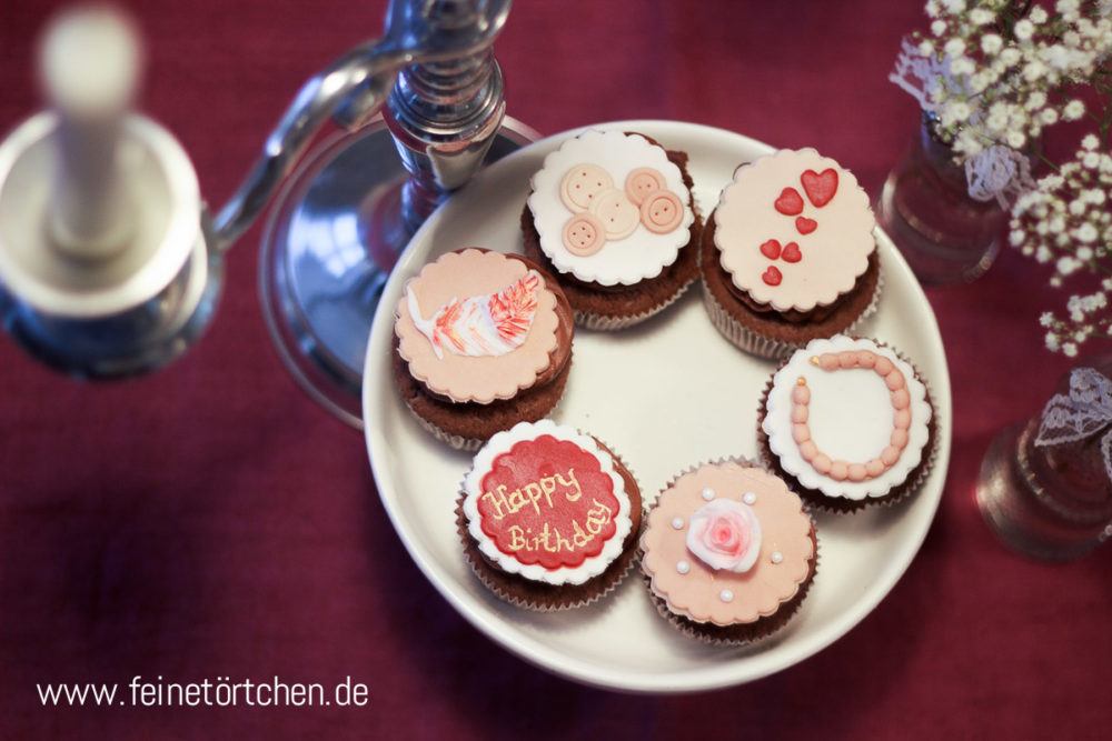 Vintage Knöpfe Kette Happy Birthday Fondant Dekoration Mademoiselle Cupcake